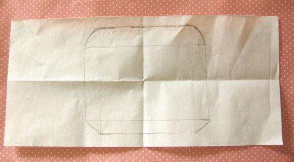 ポチ袋のふたの大きさは紙を折りつつ決める